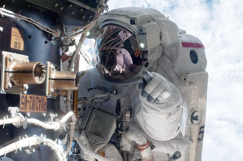 nasa-astronautas-casco