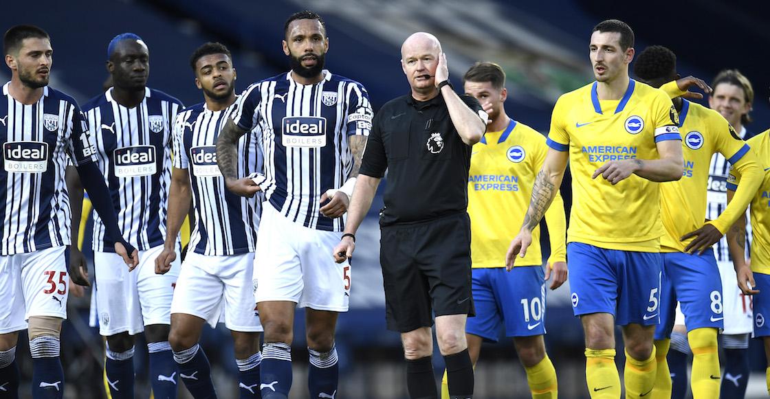 Polémica en la Premier League: Árbitro anuló, validó y luego volvió a anular un gol