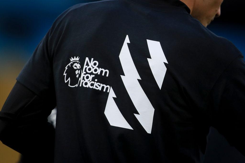 ¡Ya no más! La FA exige acciones gubernamentales ante el racismo a futbolistas