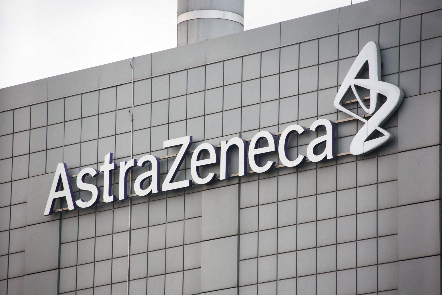 AstraZeneca y Oxford inician pruebas en niños de su vacuna contra COVID-19