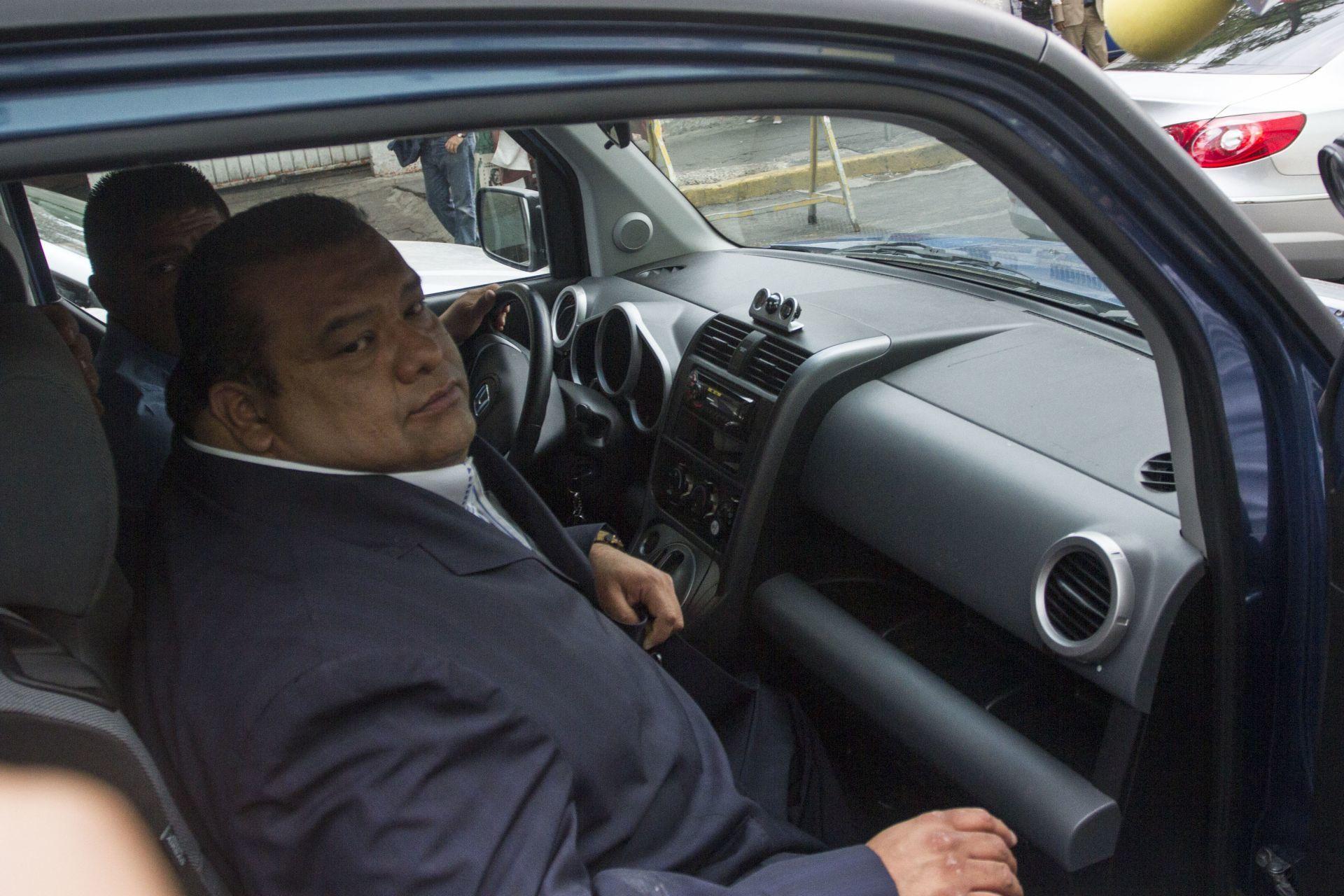 MÉXICO, D.F., 16ABRIL2014.- Cuahtémoc Gutiérrez, ex líder del PRI en el Distrito Federal, acudió a la Procuraduría capitalina para ratificar una denuncia que interpuso en días pasados para que se aclare el caso de una supuesta red de prostitución que operaba el ex asambleísta.