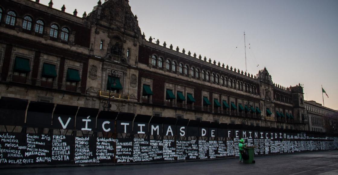 """""""Mejor una valla que granaderos"""": AMLO defiende (otra vez) su 'muro' de Palacio Nacional"""