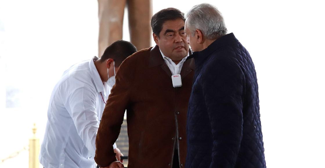 Barbosa acusa al Gobierno Federal de no surtir medicamentos ni vacunas en Puebla