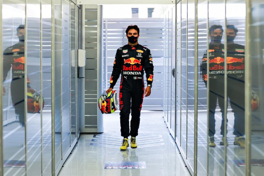 Checo Pérez con Red Bull