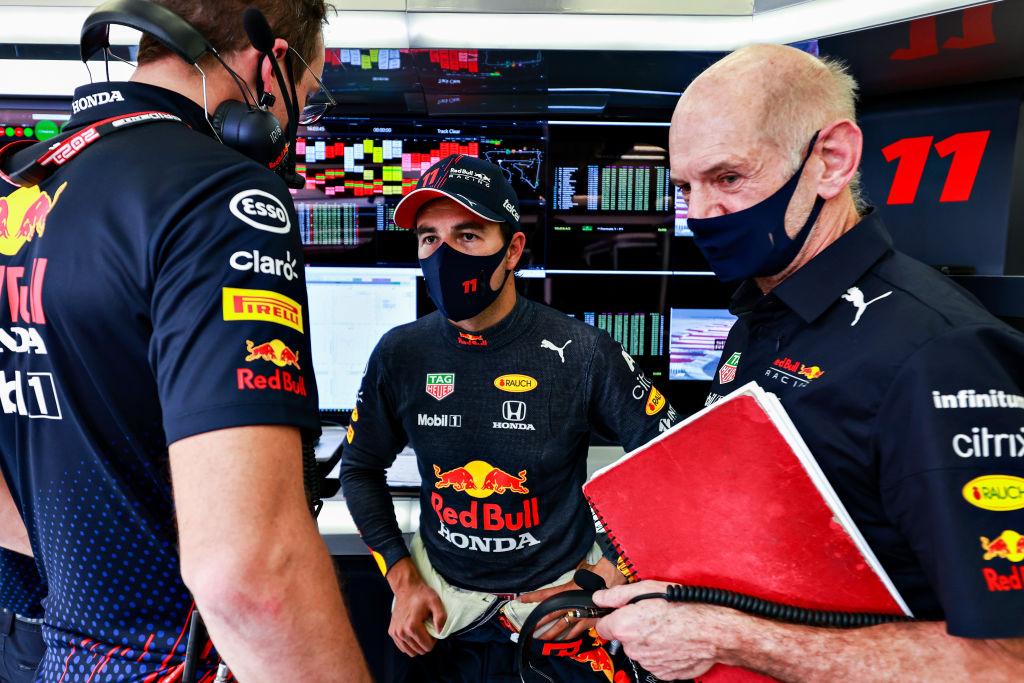 Verstappen se llevó la pole position en Baréin; Checo Pérez saldrá onceavo