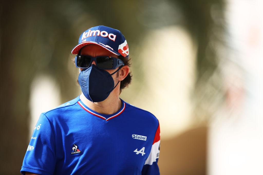 WTF!? La envoltura de un sándwich dejó a Fernando Alonso fuera del GP de Baréin