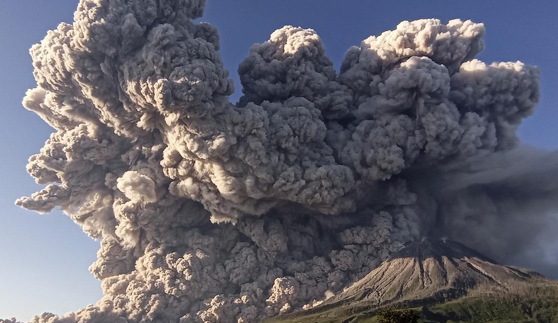 indonesia-volcan-ceniza