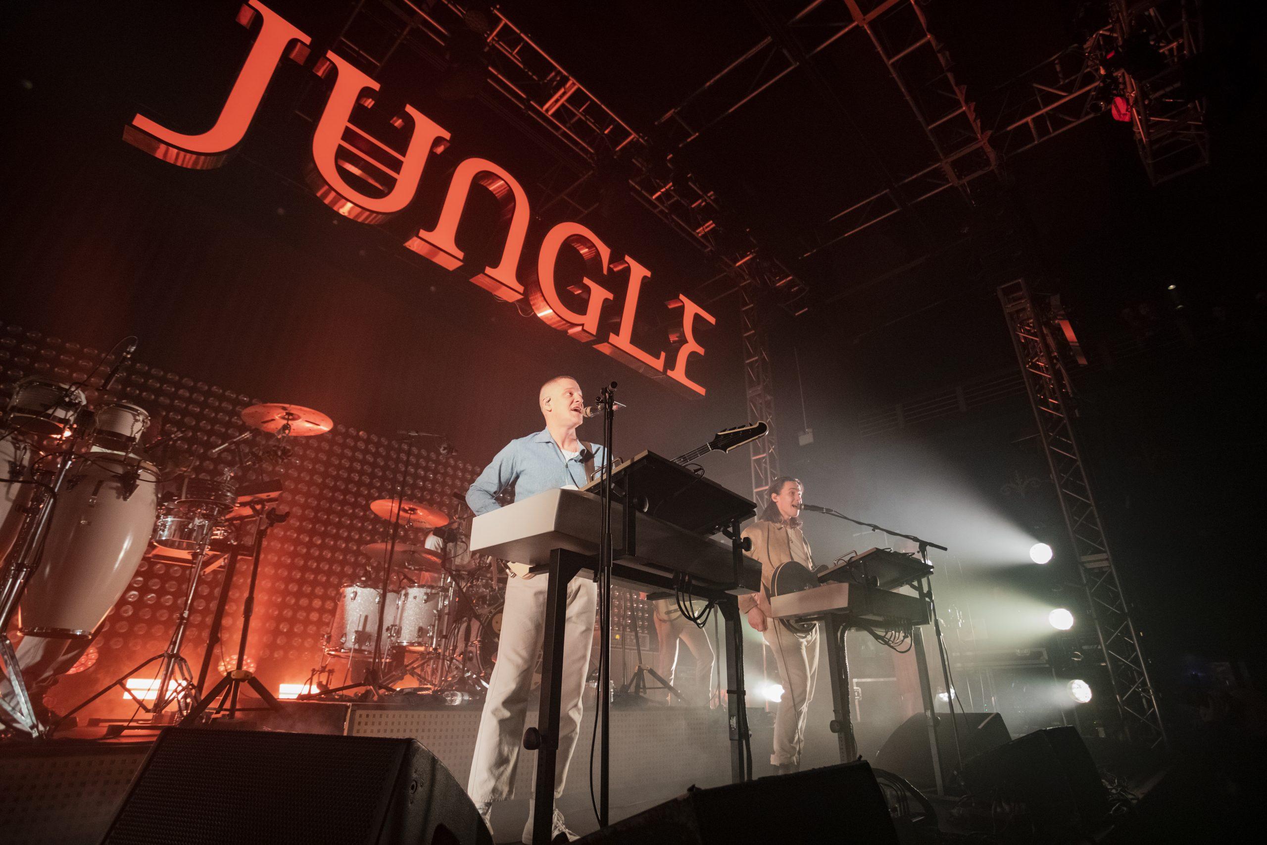 """¡Están de vuelta! Jungle anuncia nuevo disco estrenando la rola """"Keep Moving"""""""