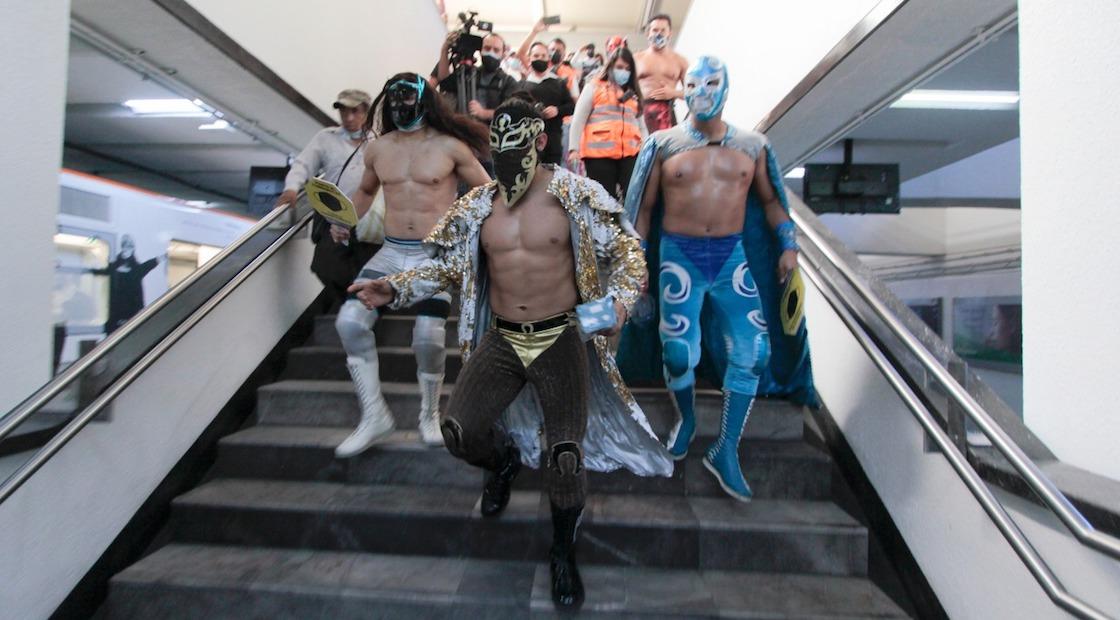 luchadores-injuve-metro