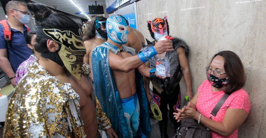luchadores-metro-desinfectando