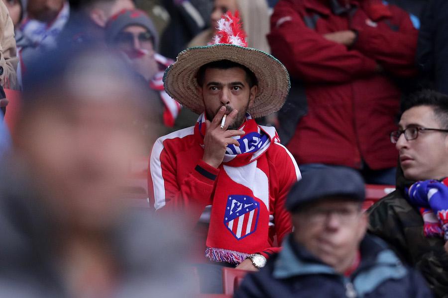 Aficionados de 13 equipos protestan por las reformas a la Champions League