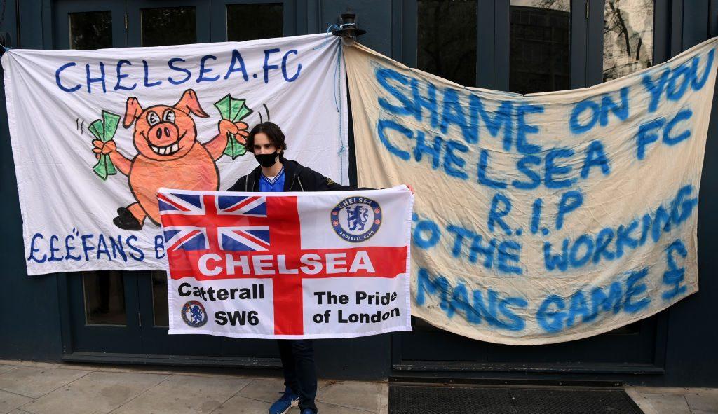 En imágenes: Las protestas en Stamford Bridge por la Superliga Europea
