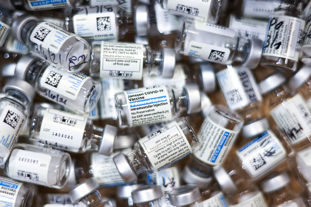 Two nurses arrested for the disappearance of 500 vaccines against Covid-19