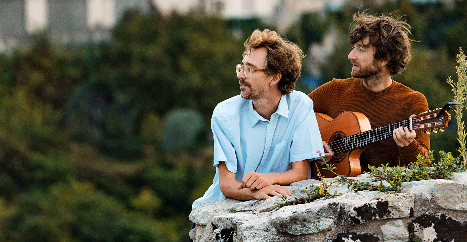 "¡Kings of Convenience anuncian su primer disco en 12 años con la rola ""Rocky Trail""!"