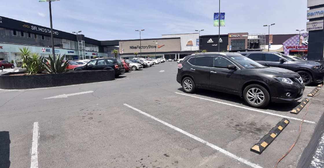Morena buscará que estacionamientos de hospitales y centros comerciales sean gratuitos