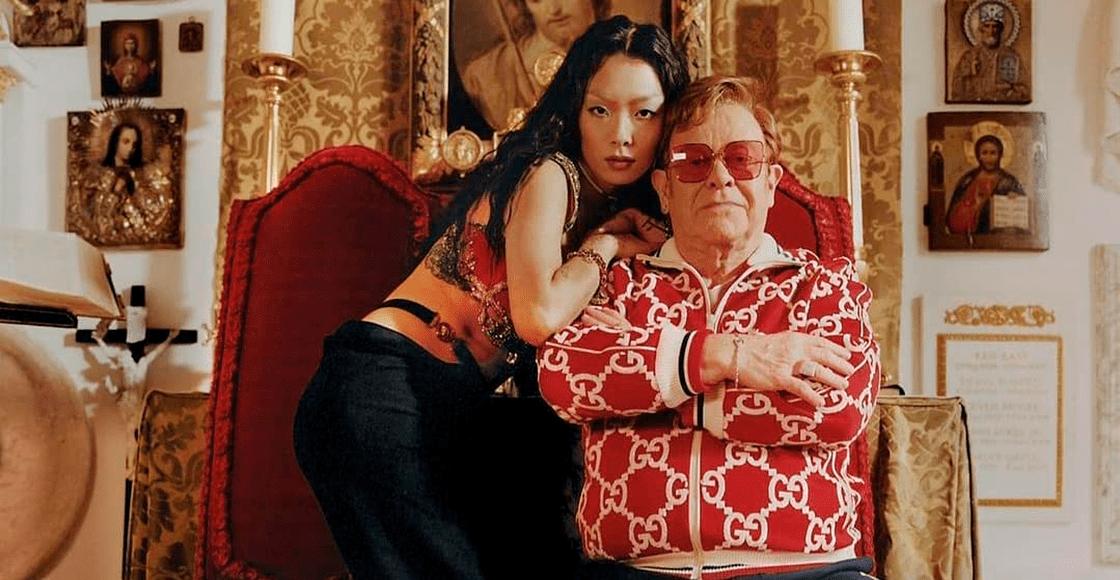 """Rina Sawayama se junta con Elton John en la emotiva rola """"Chosen Family"""""""