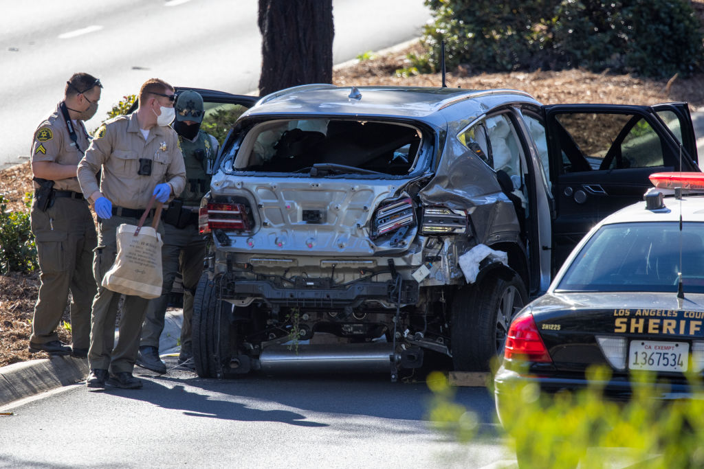 El vehículo de Tiger Woods después del accidente