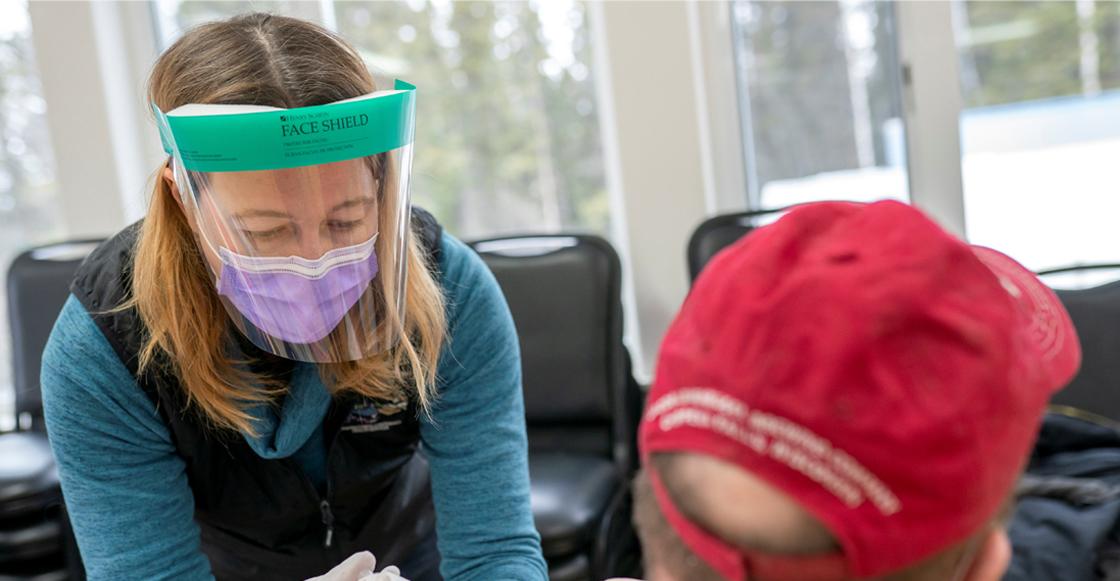 Vacunas contra COVID en Alaska