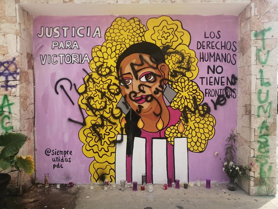 Vandalizan con pintas el mural de Victoria Salazar migrante asesinada por policías en Tulum