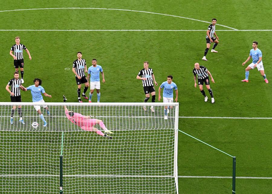¡Aquí está el Puskas! El golazo de Ferrán Torres al estilo Ibrahimovic con el Manchester City