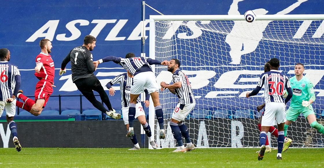 ¡De locura! El gol del portero Alisson Becker con Liverpool en el último minuto