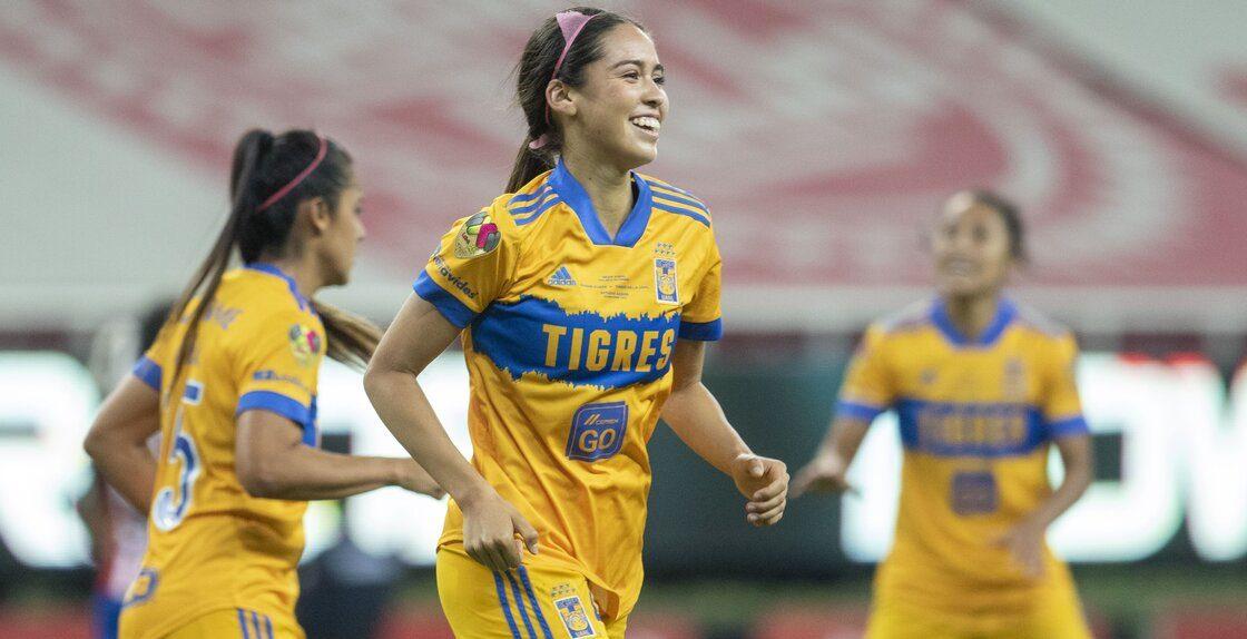 ¿Por qué los baloneros de Chivas Femenil festejaron el gol de Greta Espinoza?