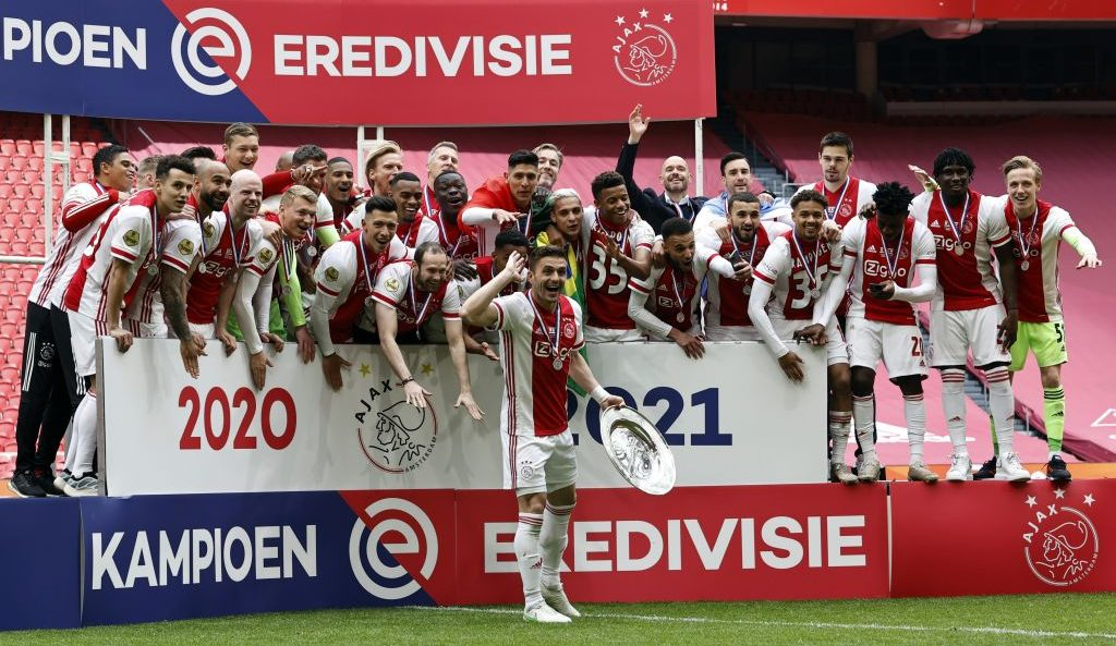 ¡Ajax campeón! Edson Álvarez se convierte en el quinto mexicano que gana la Eridivisie