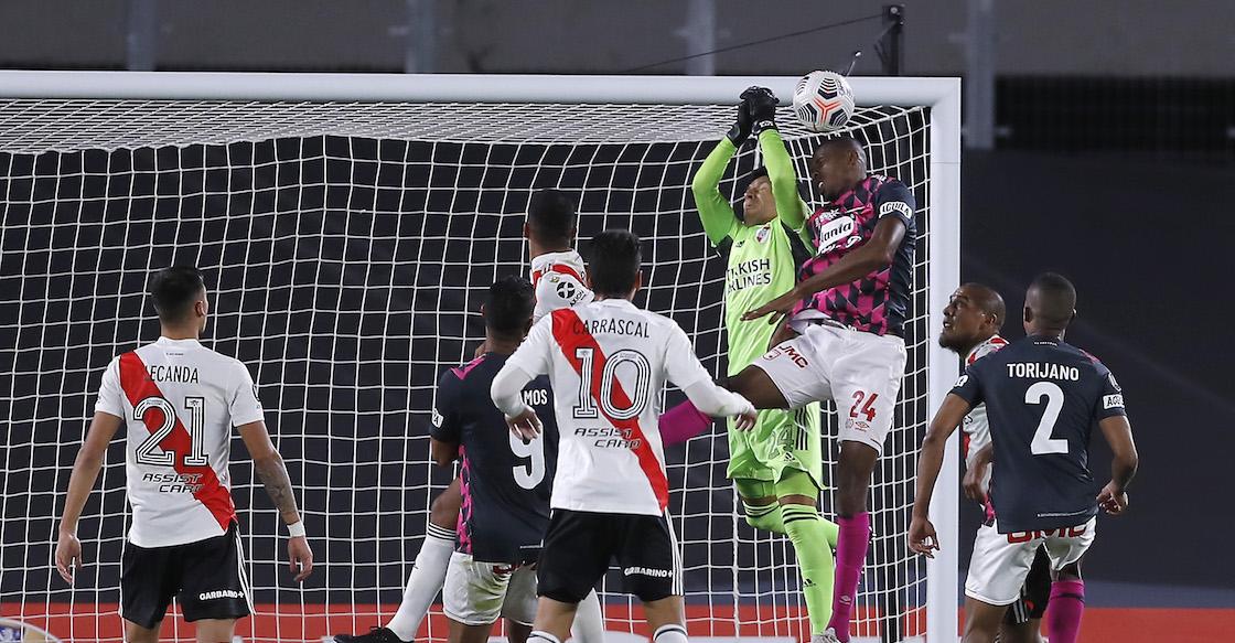 ¡Portero ambulante! Las atajadas de Enzo Pérez en el triunfo de River Plate en la Copa Libertadores