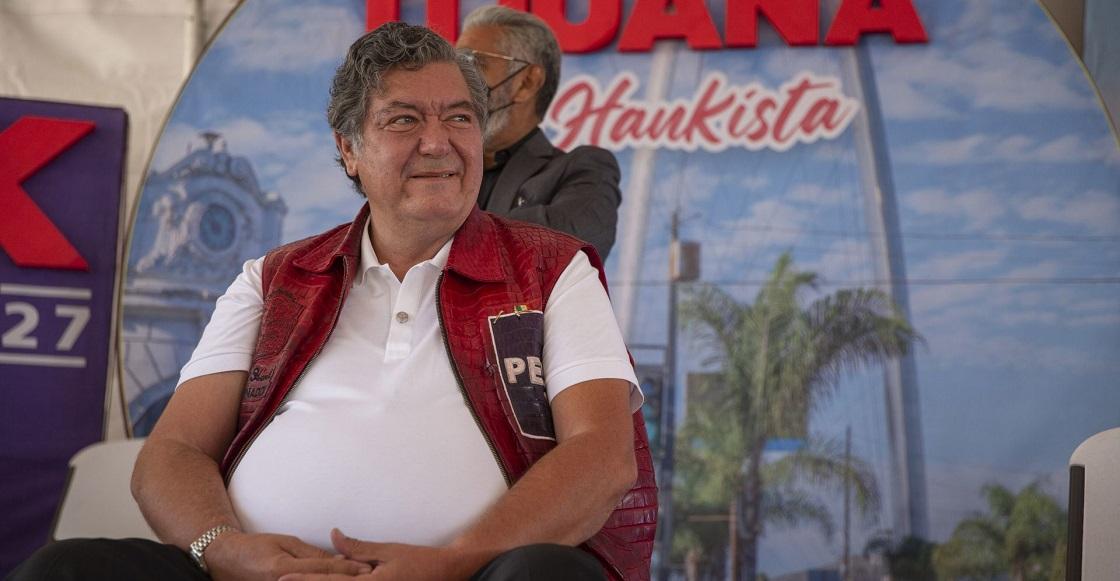 TIJUANA, BAJA CALIFORNIA, 09MAYO2021.- Jorge Hank Rhon, candidato a la gubernatura de Baja California por el Partido Encuentro Solidario (PES), estuvo presente en el fraccionamiento Santa Fe para comprometerse con un proyecto de inversión superior a los 600 millones de pesos.