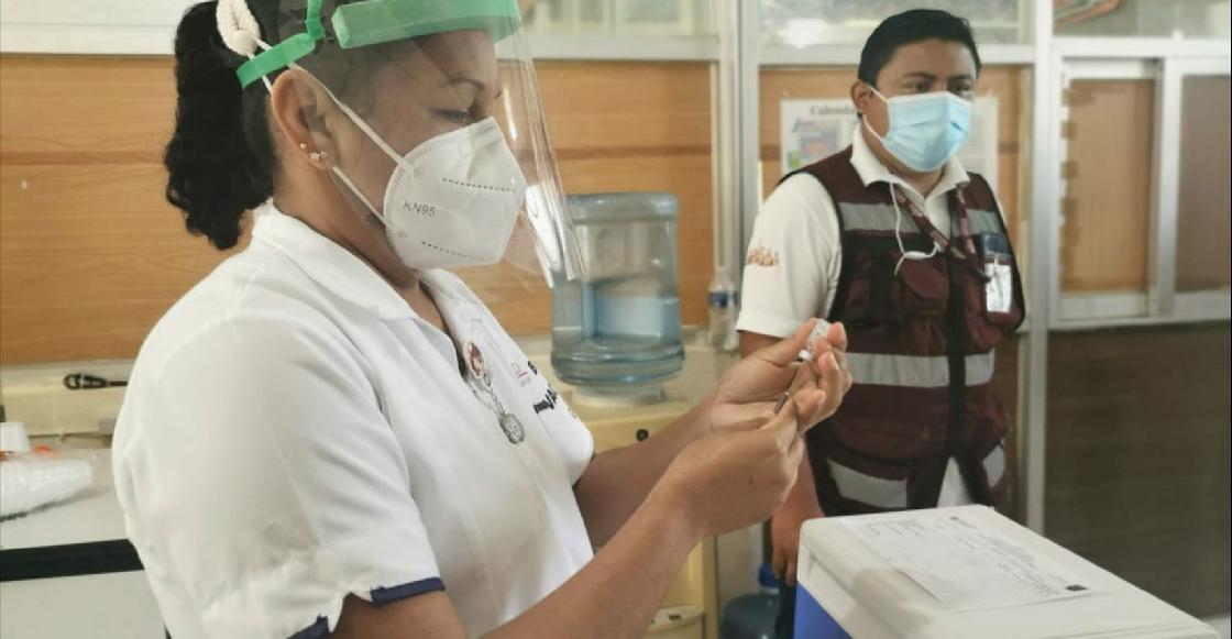 Acá los detalles de la vacunación de maestras y maestros en CDMX