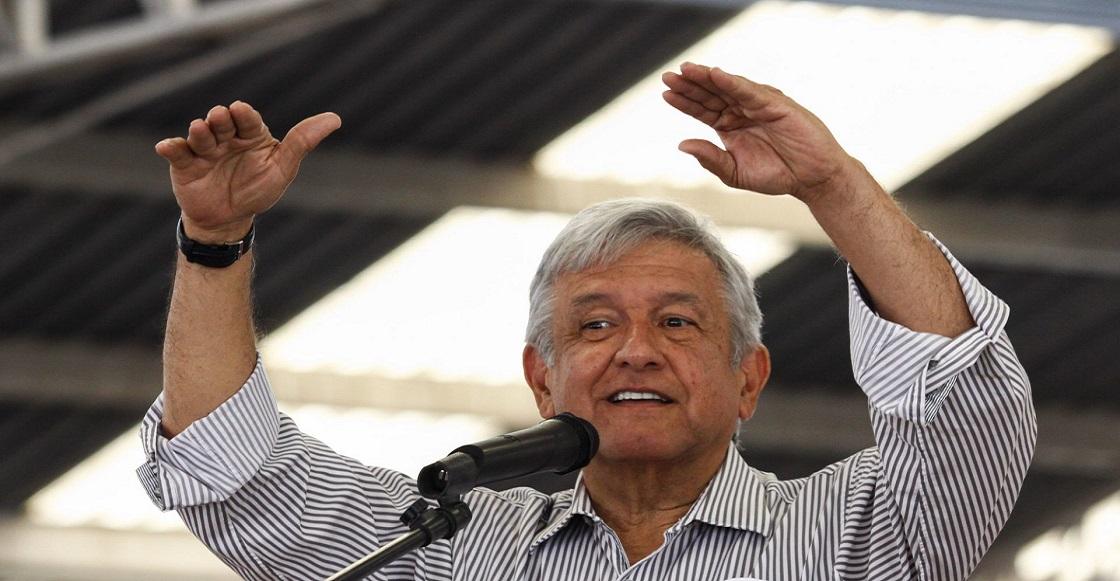 ZUMPANGO, ESTADO DE MÉXICO, 04MARZO2015.- Andres Manuel Lopez Obrador, fundador del Movimiento de Regeneración Nacional (Morena) durante una conferencia magistral sobre la situación socioeconomica y politica de México que se realizó a un costado del mercado municipal de Zumpango dando así inicio a una gira de trabajo por el Estado de México.