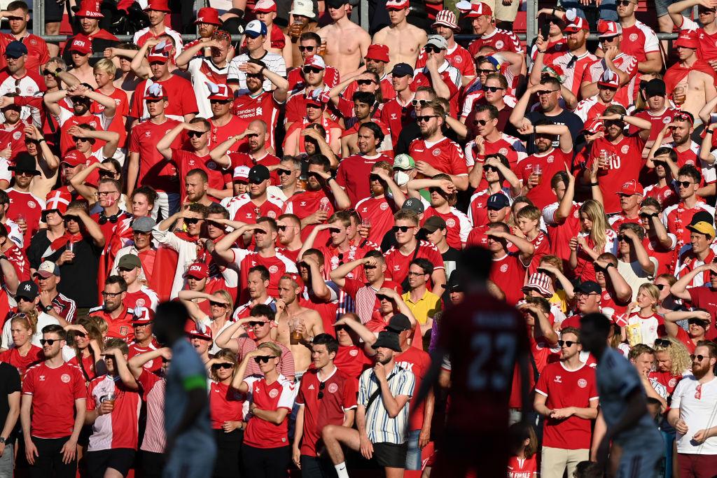 Confirman contagios de la variante delta entre aficionados de Dinamarca en la Eurocopa