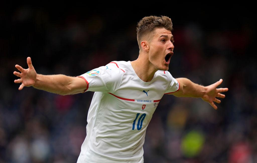 Patrick Schick celebra el gol contra Escocia en la Euro 2020