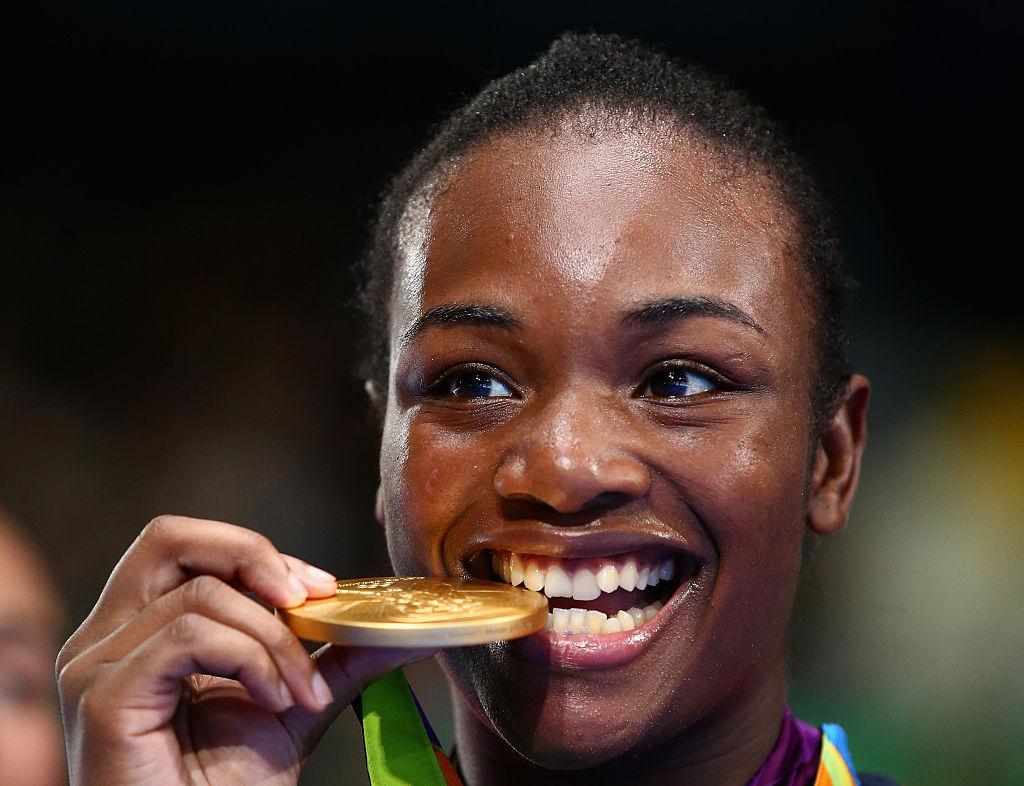 Claressa Shields ganó 2 medallas olímpicas en boxeo