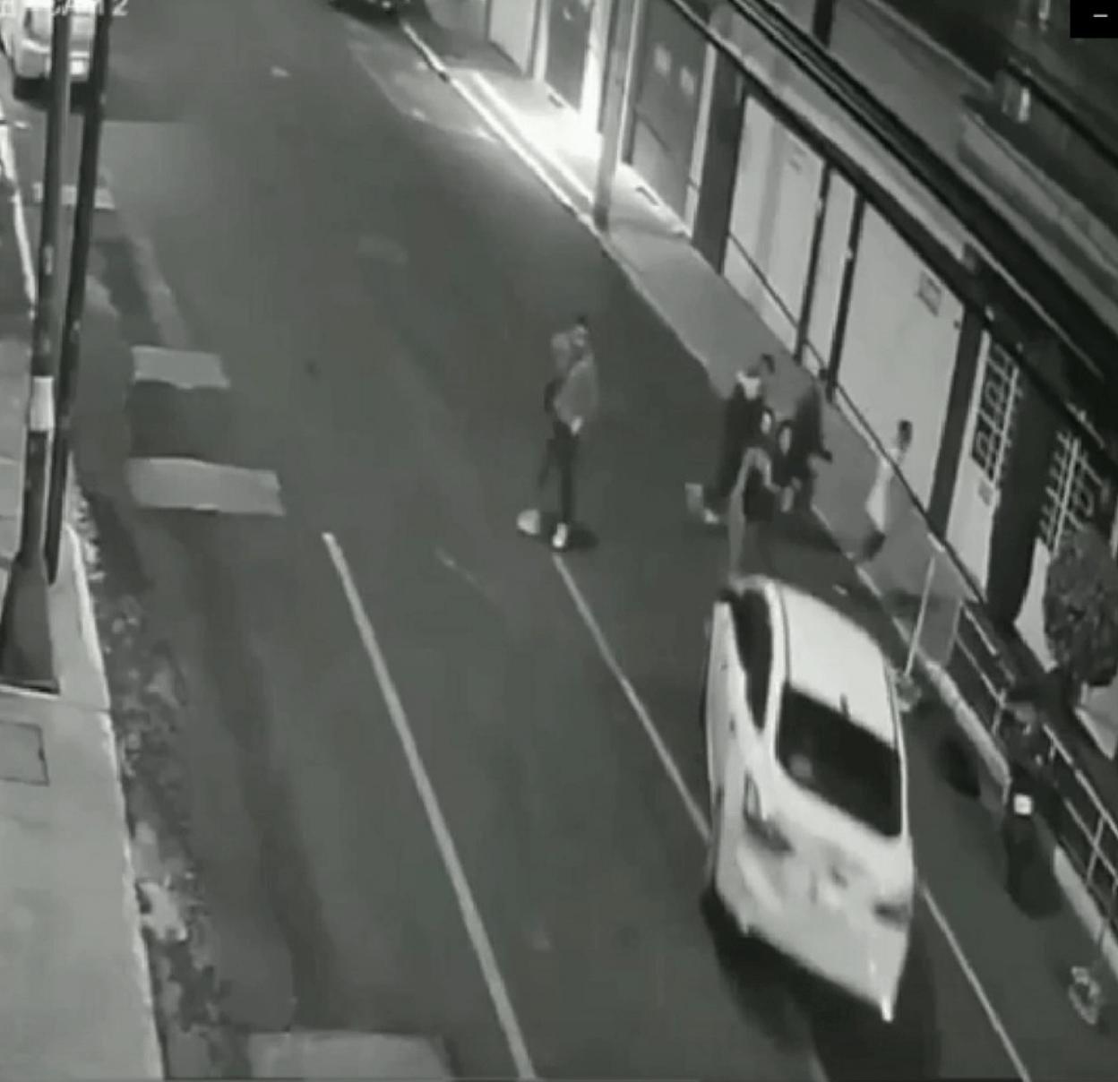Buscan a sujeto que atropelló a dos jóvenes en la CDMX; ellas se encuentran graves
