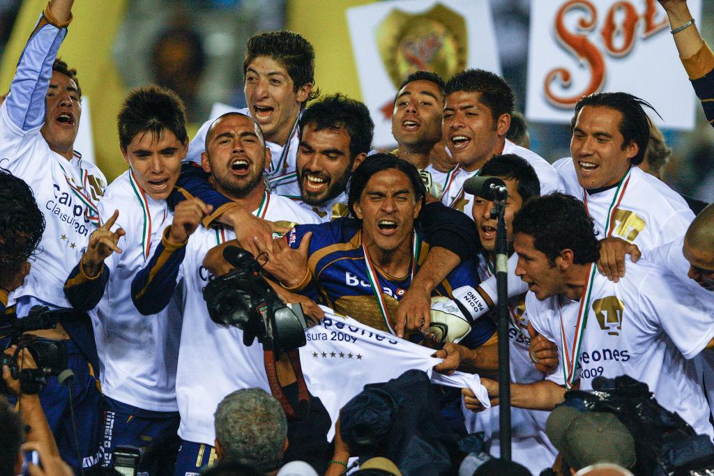Efraín Chispa Velarde campeón con Pumas