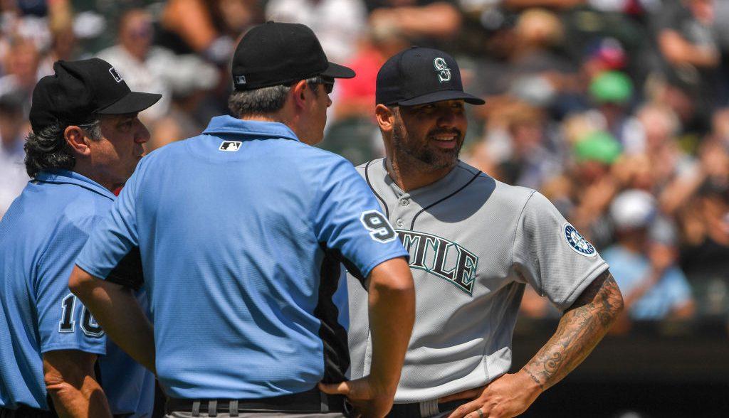 Héctor Santiago, primer pitcher castigado por uso de sustancias extrañas en la MLB