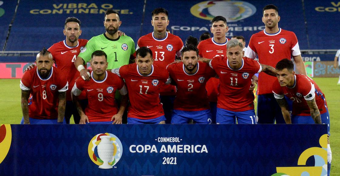 Jugadores de Chile violan la burbuja sanitaria de la Copa América... para cortarse el cabello