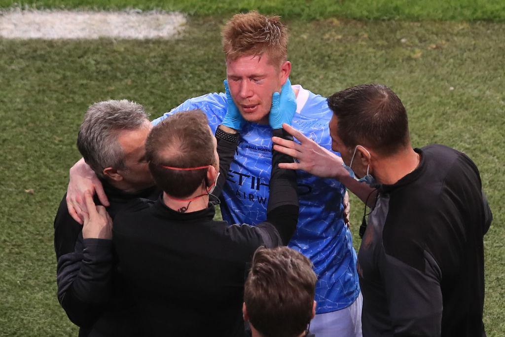 Kevin De Bruyne perdió sensibilidad en la mitad del rostro, luego de sufrir una doble fractura