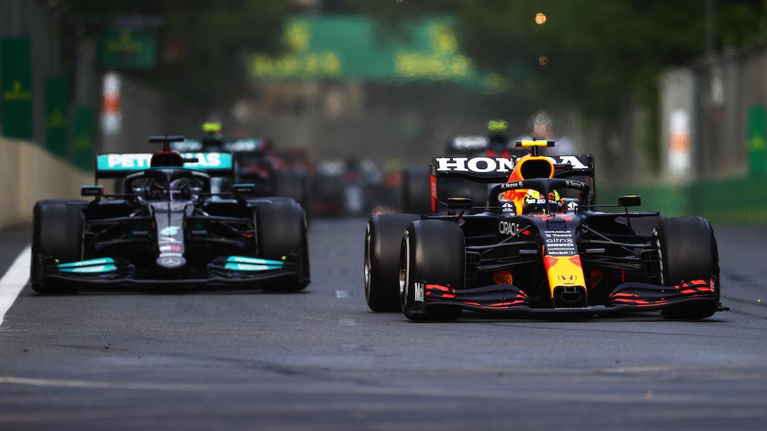 Lewis Hamilton vs Checo Pérez