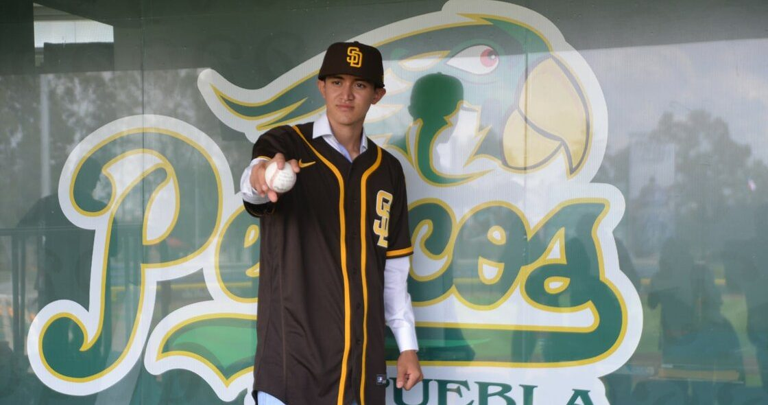 Los Padres de San Diego firmaron al mexicano Manuel Castro como pitcher prospecto