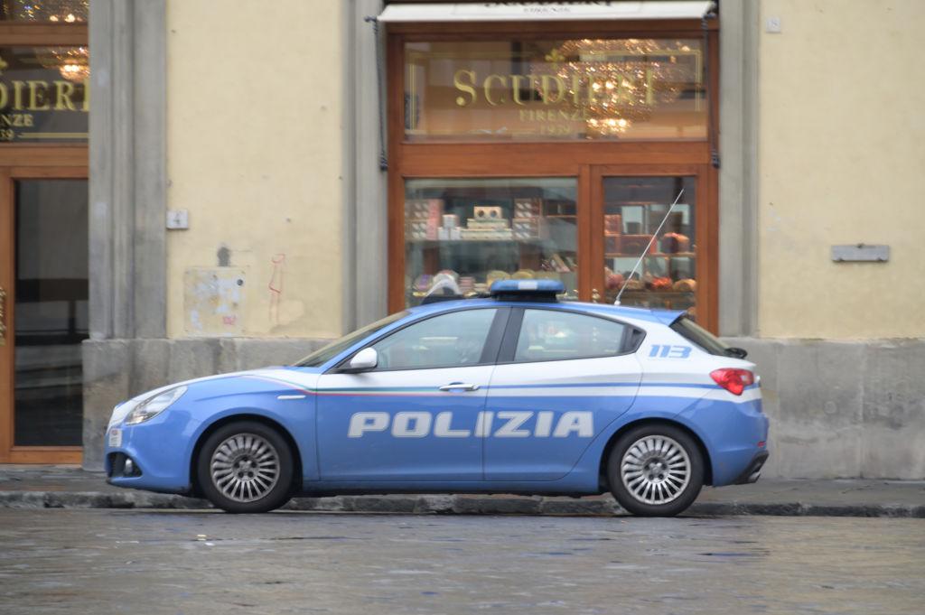 Detienen a un mexicano en Italia por asesinar a su esposa e intentar matar a su hijo