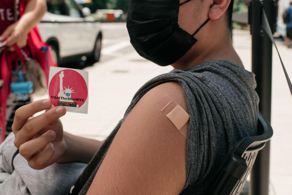 nueva-york-vacunacion-adultos