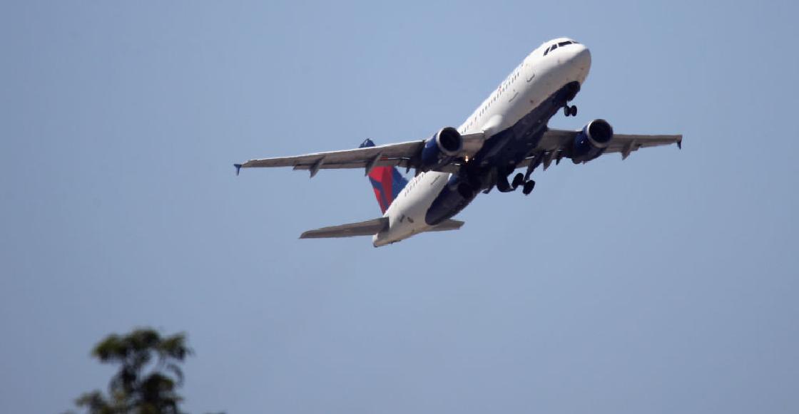 Aterrizan de emergencia un avión en EU por un pasajero que amenazó con derribarlo