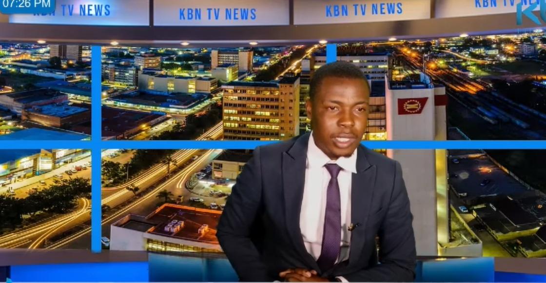 Balconeada nivel: Presentador de noticias revela en transmisión que no le pagaban