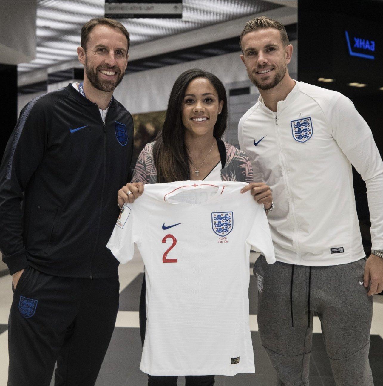 ¿Quién es Alex Scott, la primera mujer que comentará en el FIFA 22?