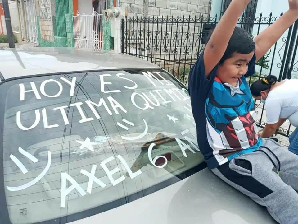 Axel, el niño de seis años que venció al cáncer celebra su última quimioterapia