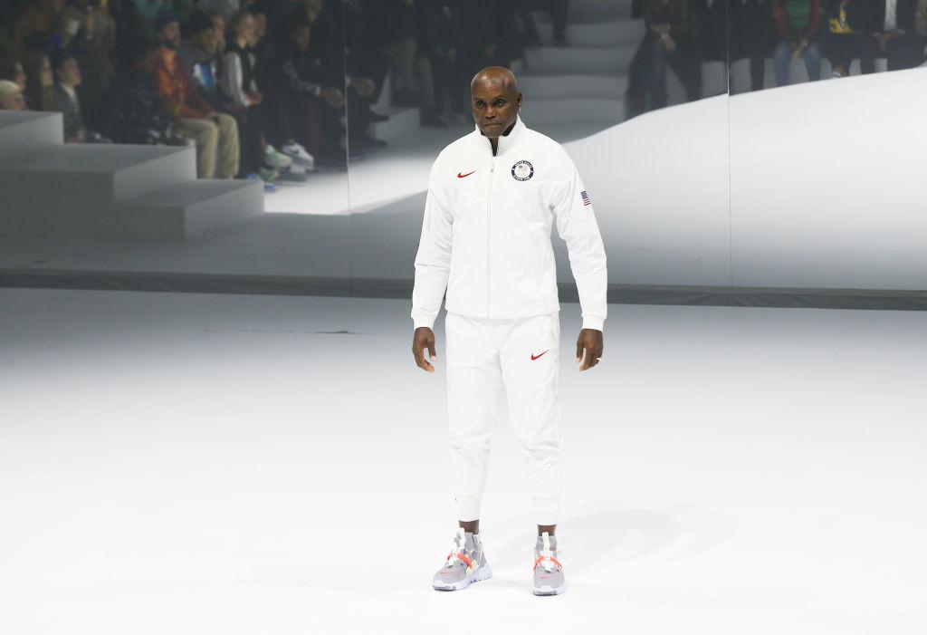 Carl Lewis en la presentación de los uniformes de Estados Unidos para Tokio 2020