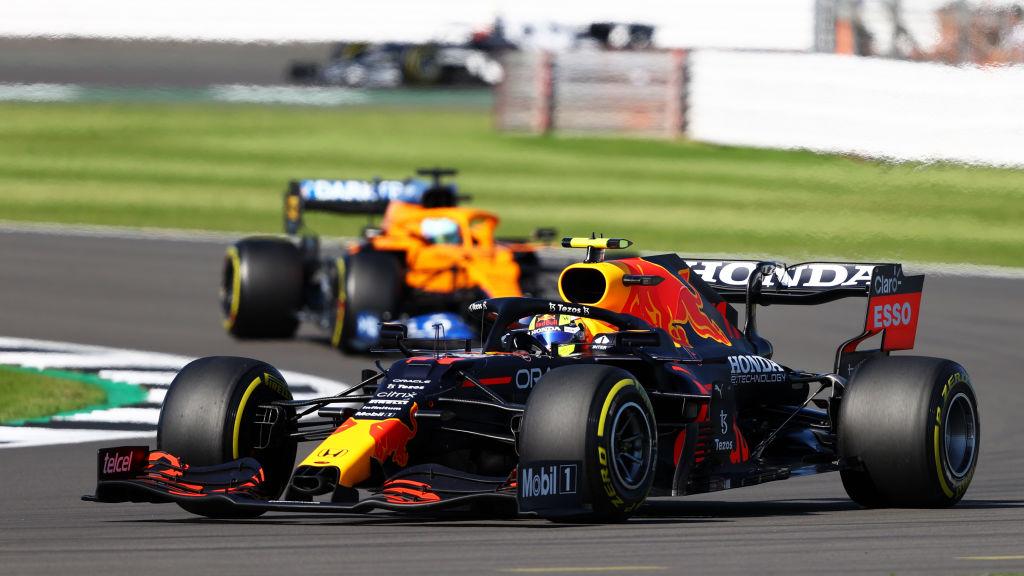 Checo Pérez largará último en el GP de Gran Bretaña; Verstappen consiguió la pole en el sprint