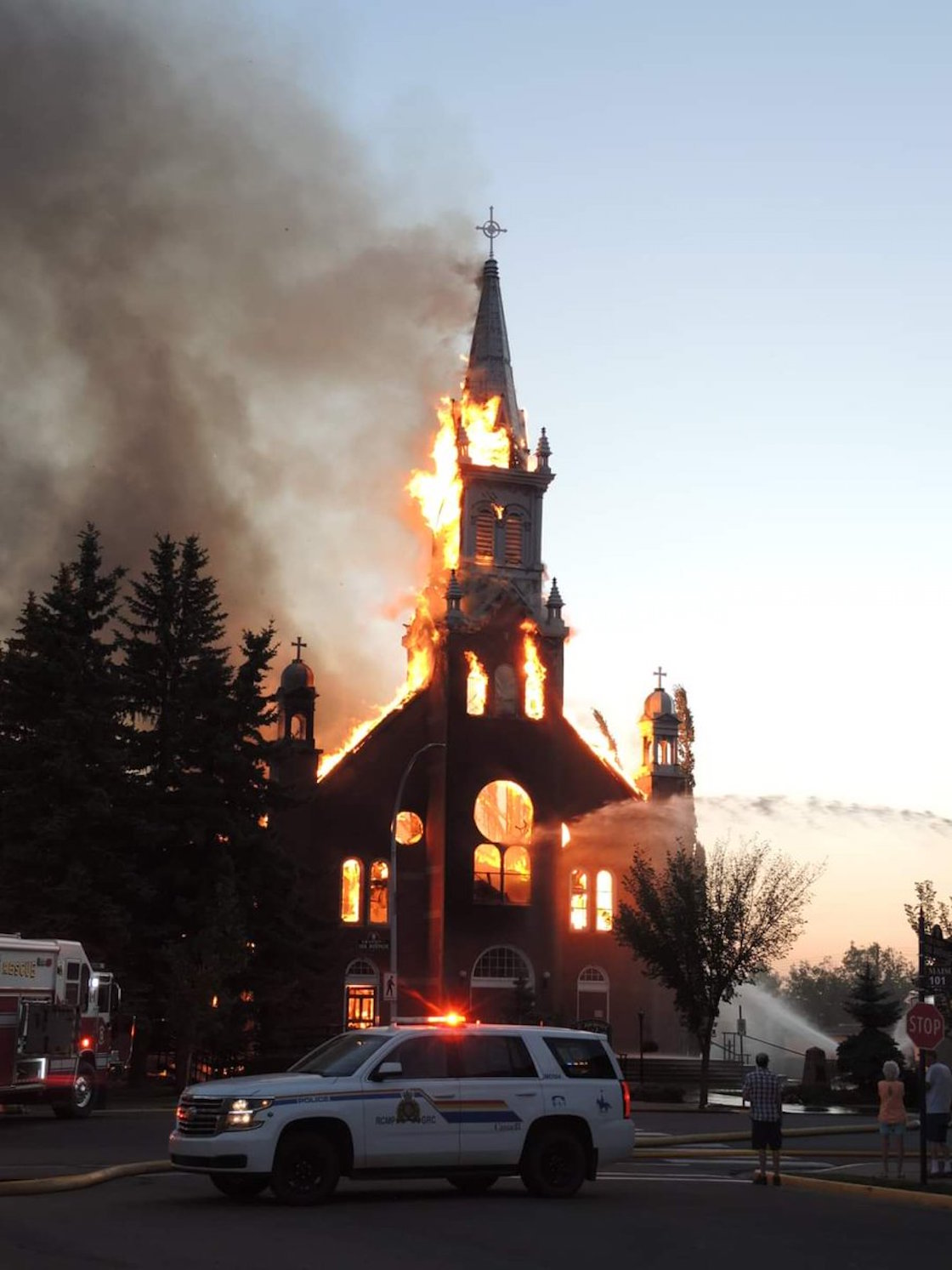 Church-Canada-Catholicism-Protest-Indigenous-Children-Fire-02